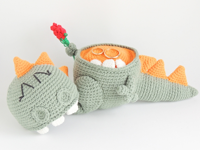 amigurumi, dragon, stuffed, ring box, proposal, engagement, anniversary gift