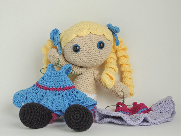 dolls, doll, stuffed, plush, amigurumi, crochet, multicultural, toys, gifts, baby girls, muñecas, juguetes, regalos, niña