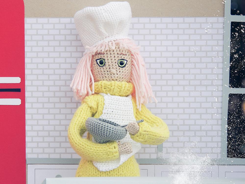 3d modeling doll. gifts for pastry, baker, cupcake lover. Cadeau de confiseur. Il regalo del confettiere. Konditorgeschenk